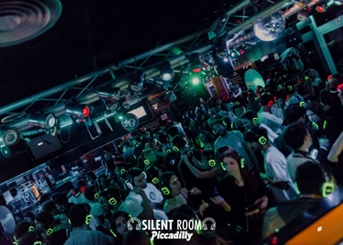 Nachtleven Valencia Piccadilly silent room